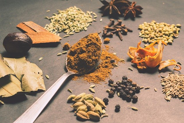 Quels sont les ingrédients phares de la cuisine indienne ?